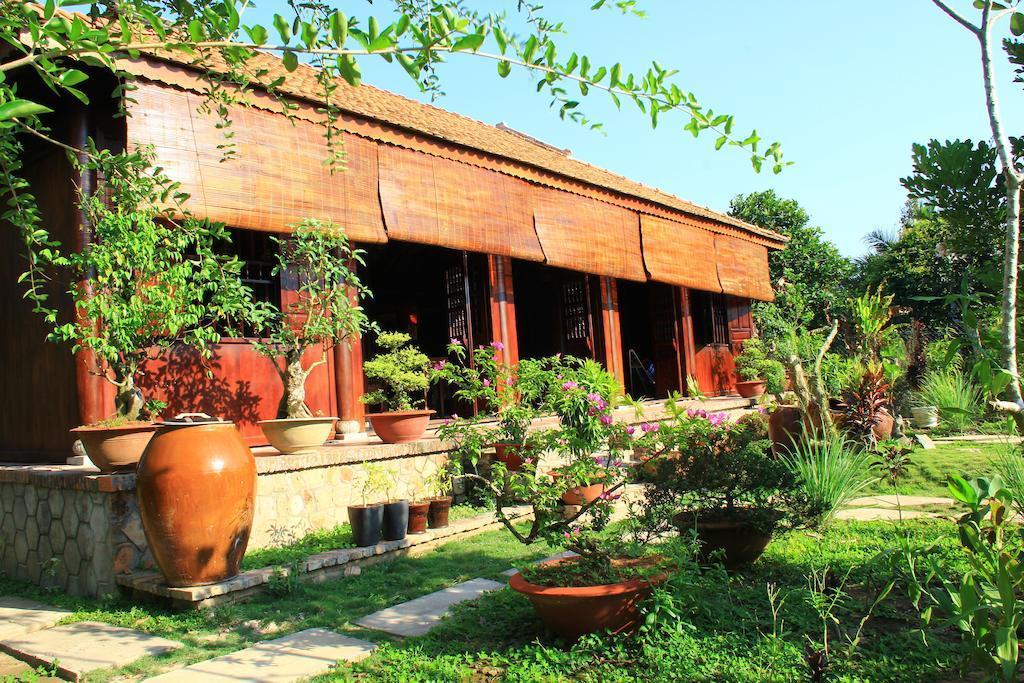 Sân vườn Gite Nam Hien Mekong homestay Vĩnh Long