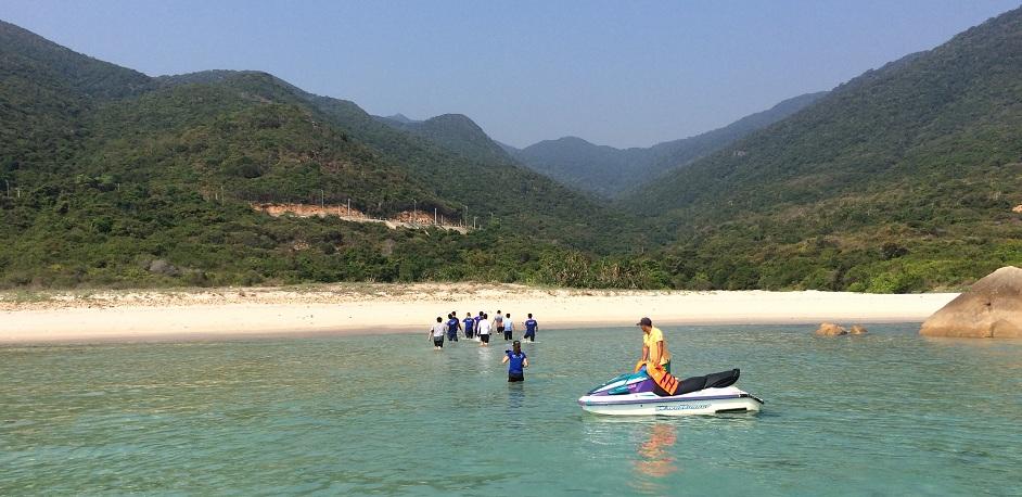 Bãi nước ngọt - có biển đẹp nhất đảo Bình Hưng