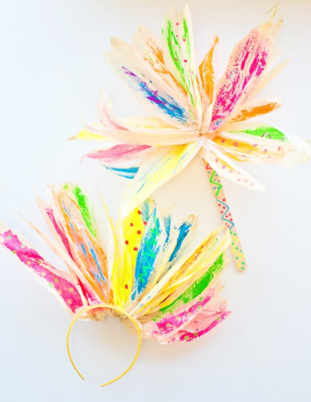 Corn Husk Headband: These 25 Thanksgiving Crafts for Kids will get everyone into the thanksgiving spirit.