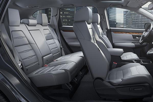 the-interior-of-Honda-CR-V