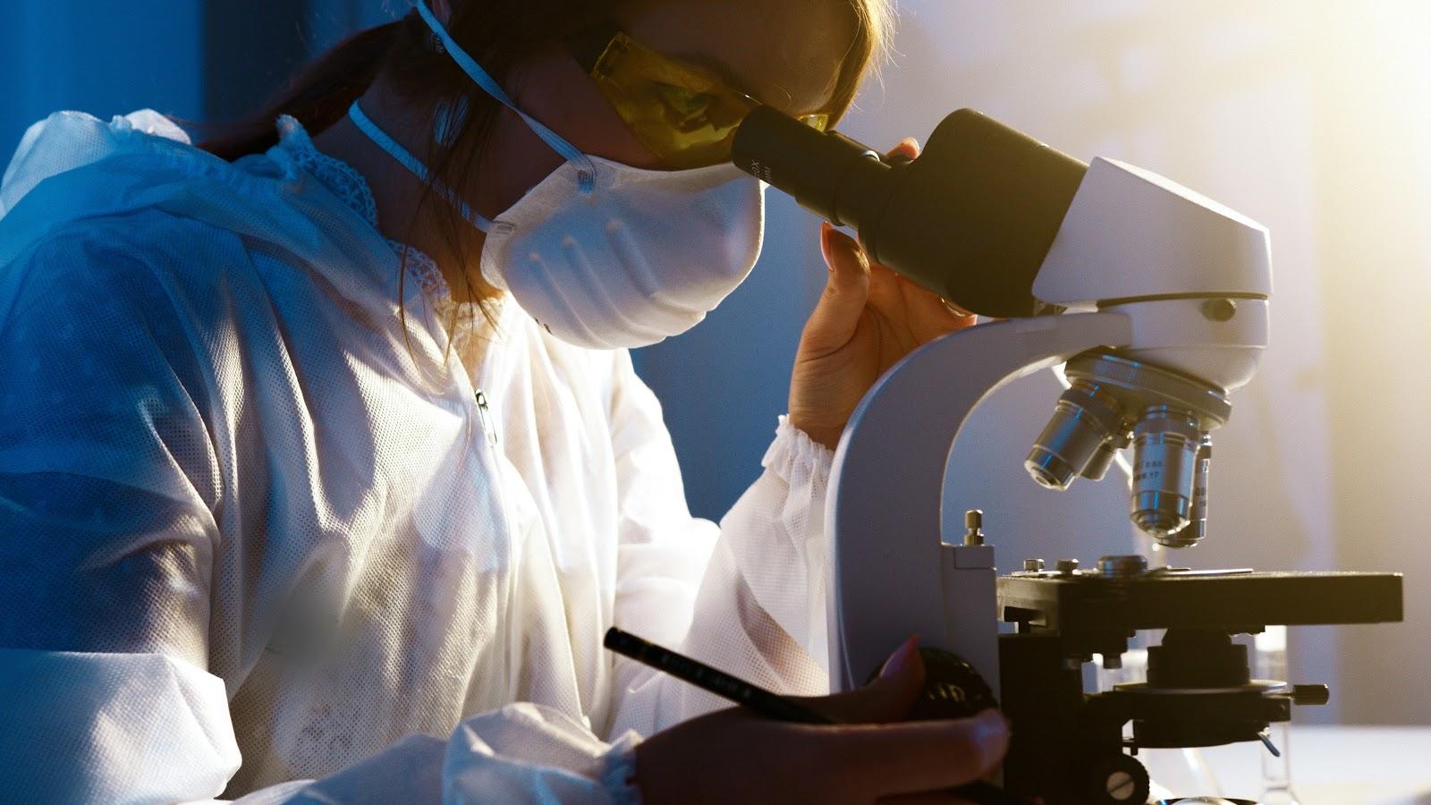 O inibidor K777 apresentou resultados promissores quando testado em laboratório para inibir infecção por Covid-19. (Fonte: Pexels)