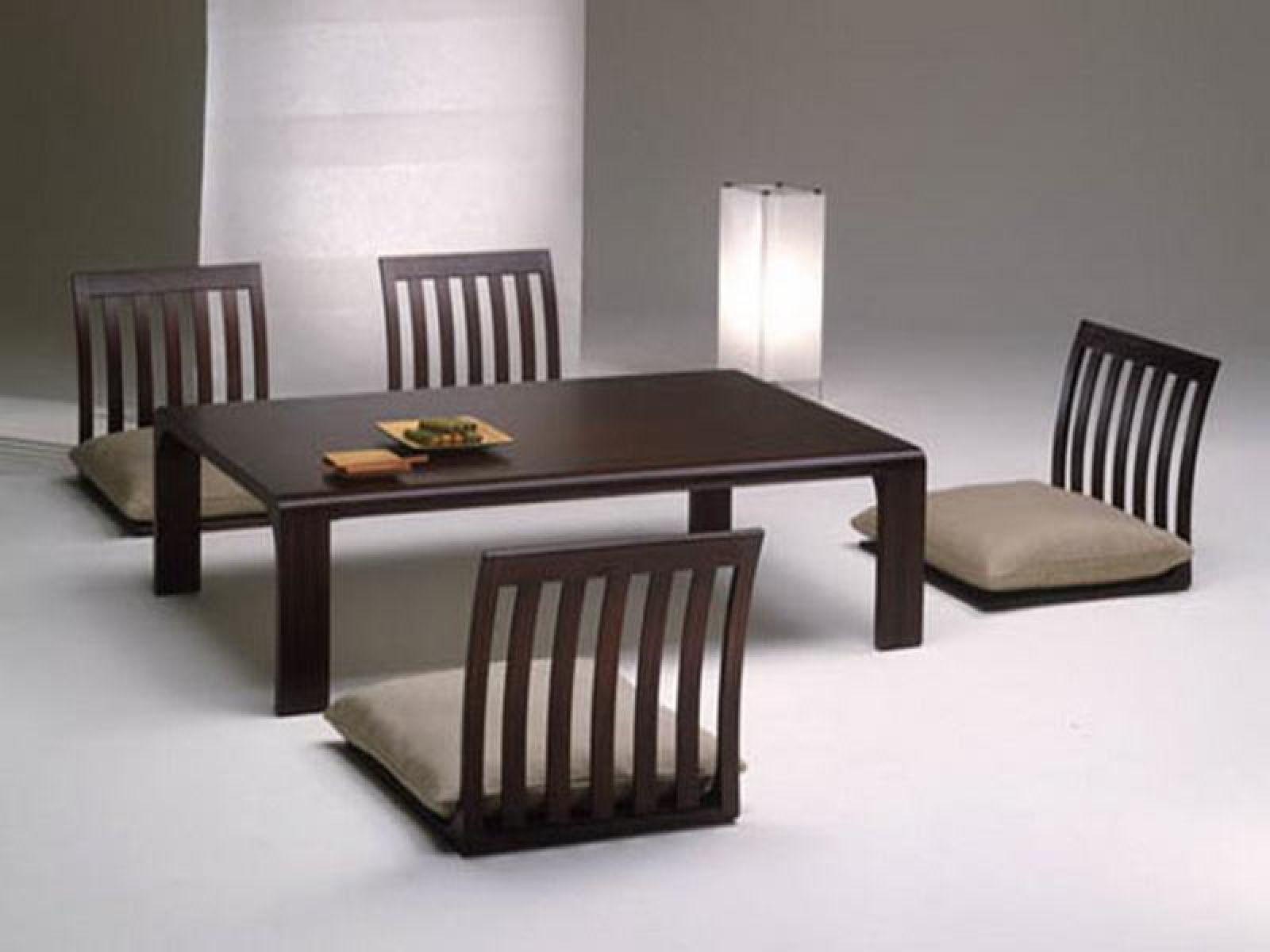 Bàn trà Nhật ngồi bệt tạo nên không gian thanh nhã cho ngôi nhà của bạn