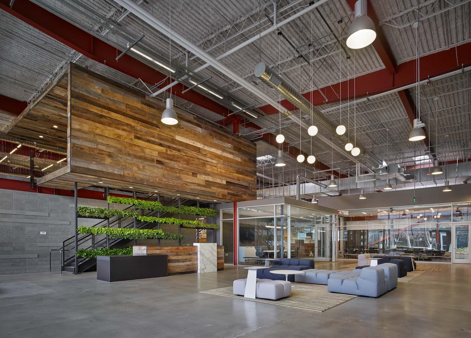 Inspirasi office space bergaya industrial dengan konsep open space dan high ceiling - source: shubindonaldson.com