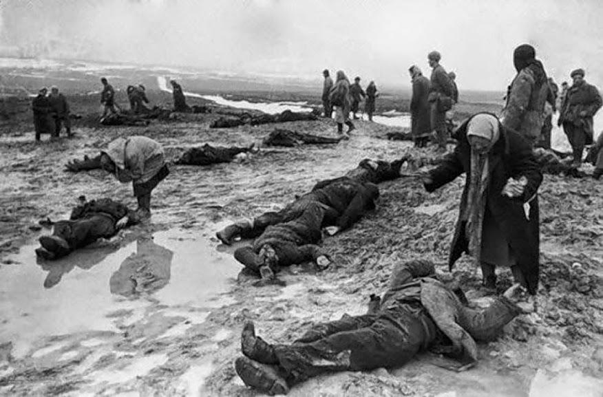 Na época em que foi tirada discutiu-se a veracidade da foto ou se ela não era apenas propaganda contra o regime Nazista feita pelos soviéticos. Contudo, até hoje ninguém chegou a uma conclusão satisfatória a respeito da foto.