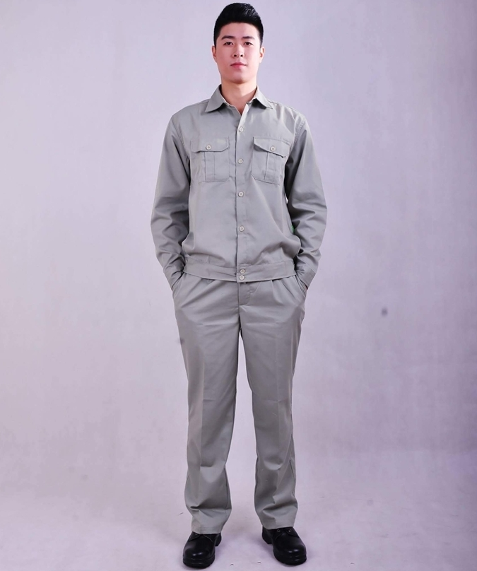 Các bạn nên tham khảo giá quần áo bảo hộ lao động từ nhiều nơi