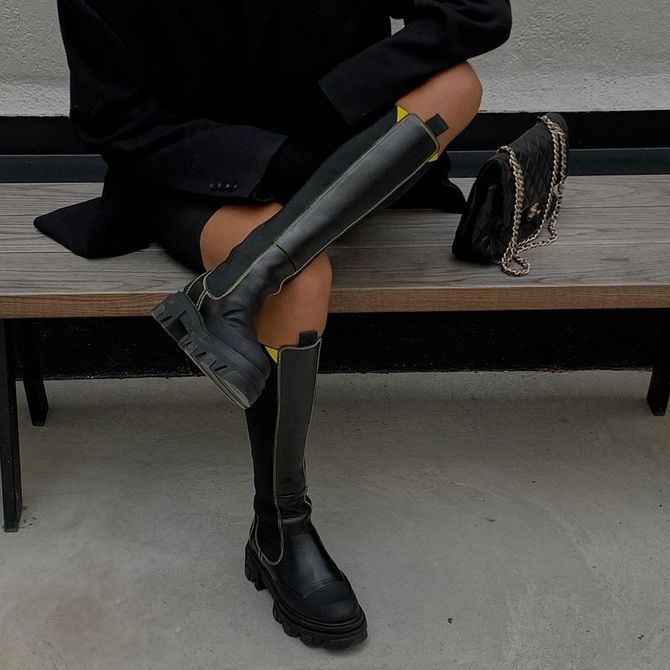 Chunky sole boots  1