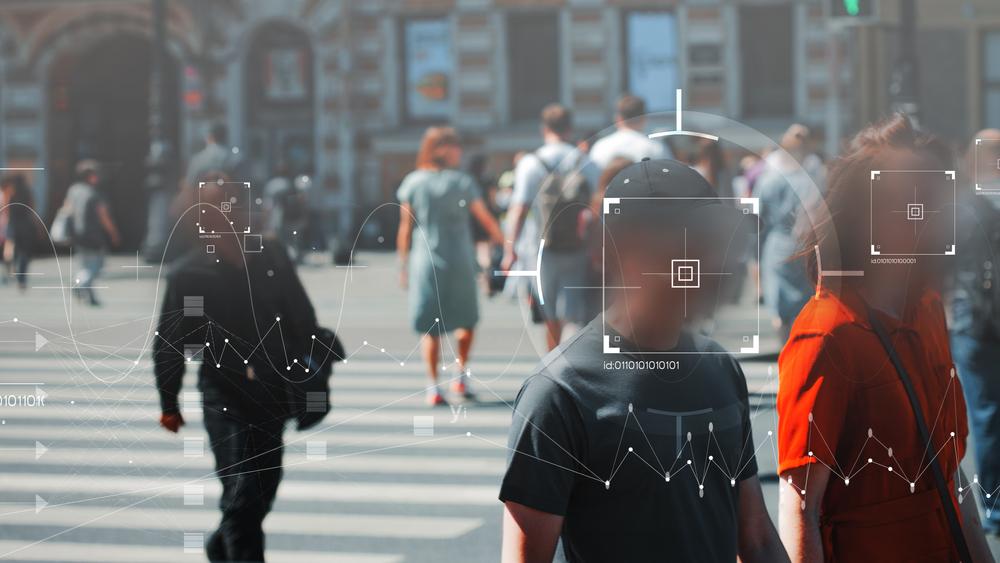 Na Europa, 80% das pessoas não se sente à vontade em compartilhar seus dados facial a autoridades. (Fonte: Shutterstock)