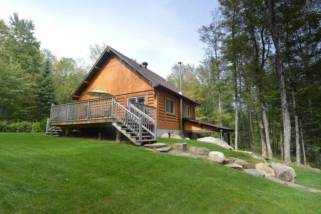 #5 listing of Cottages for rent in the Laurentians of Quebec on WeChalet