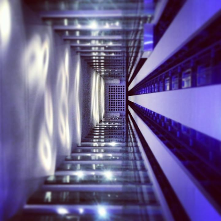 C:\Mamen trabajo\MAMEN\Energías sostenibles\El momento para mejorar la accesibilidad de 400.000 edificios en España\elevator-610792_960_720 (2).jpg