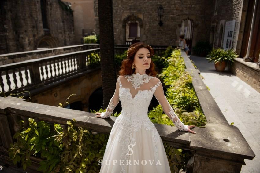 Кружевное свадебное платье фото