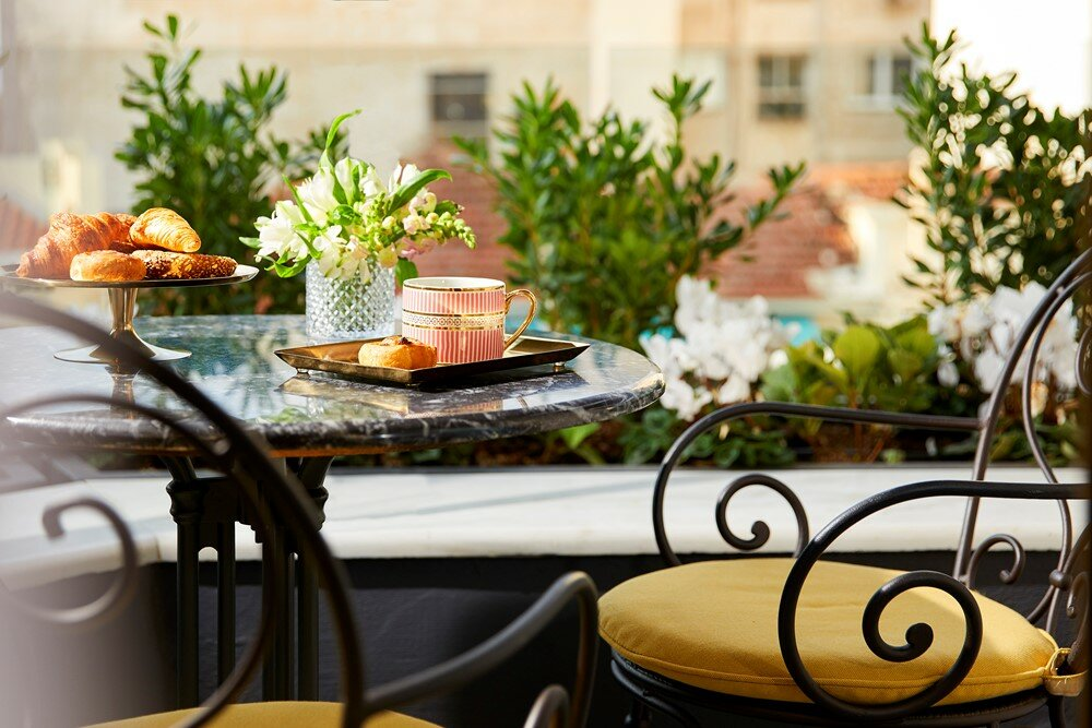 Grand Hotel, но не Будапешт: Какие секреты хранят величественные греческие отели