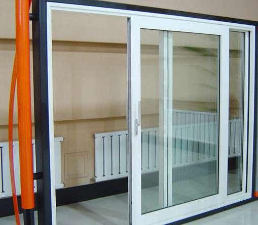 Thiết kế sang trọng nhưng cửa vẫn đảm bảo được an toàn cao