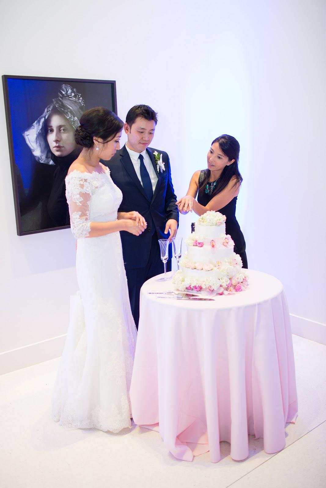 Angie and John-14 Cake and Cutting-0002.jpg