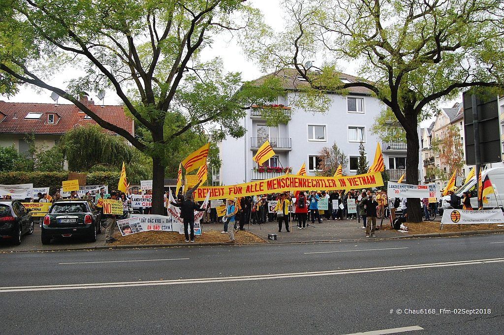 C:\1_Papi_NC\Aktivitaeten der NVTNCS in Germany\Demo in Ffm_02Sept2018\Pics selected for FB\DSC_0225-A.jpg