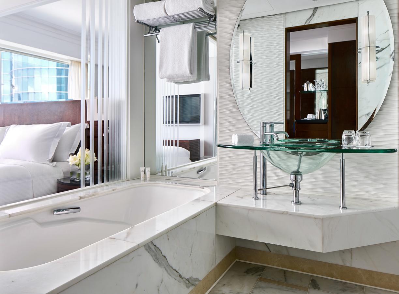 浴缸酒店康得思