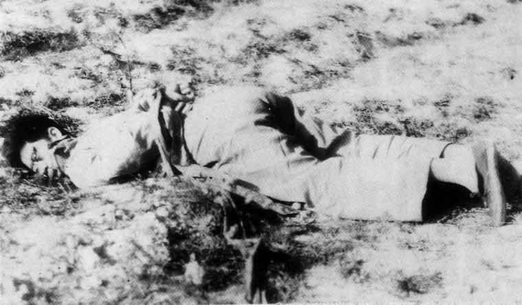 一名在蔣軍登陸後被國民黨殺害的男子//圖片來源: Wikipedia,公有領域