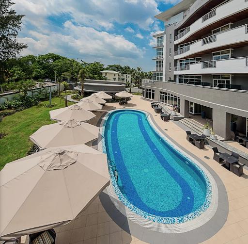 The George Hotel - Swimming Pool