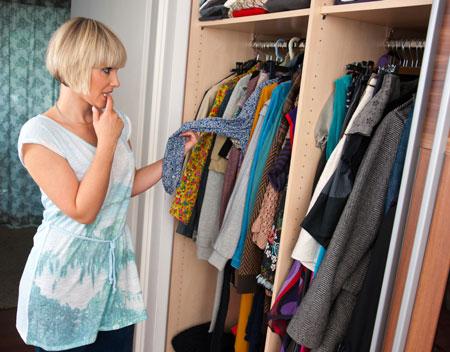 Как навести порядок в шкафу: секреты идеального гардероба