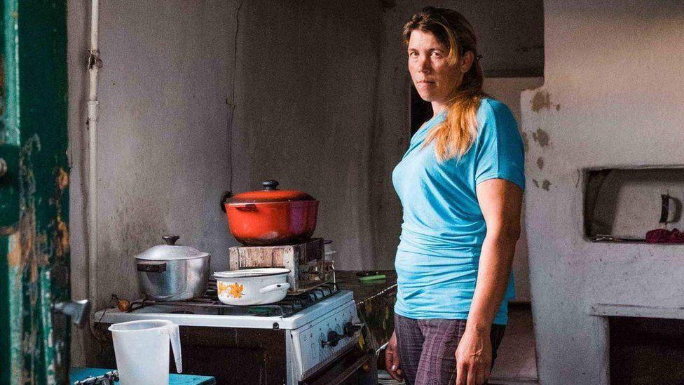 Марина на кухне