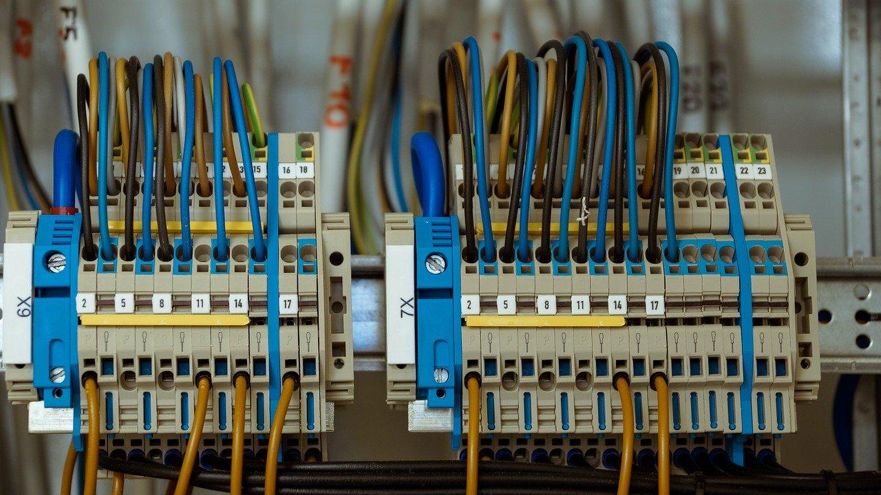 wire-1098059_1280.jpg