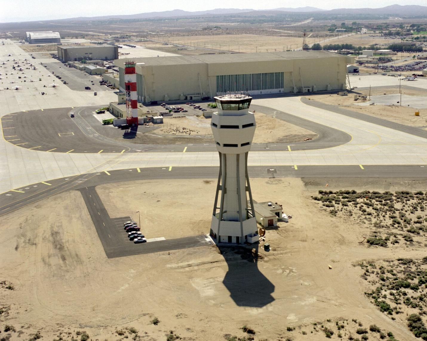 C:UsersWorkDesktopArmy BasesAirforceEdwards Air Force Base in Edwards, CAEdwards_AFB_control_tower.jpg