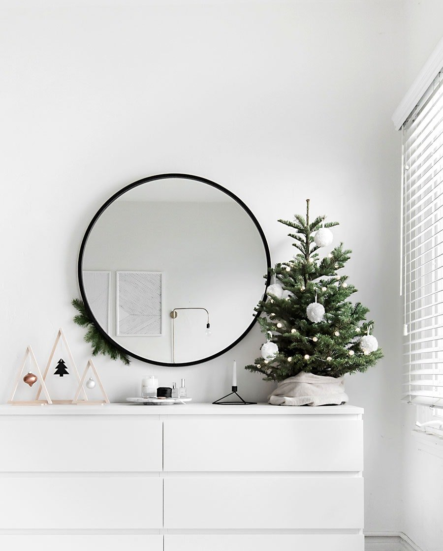 Dresser Decor Ideas with Holiday Spirit