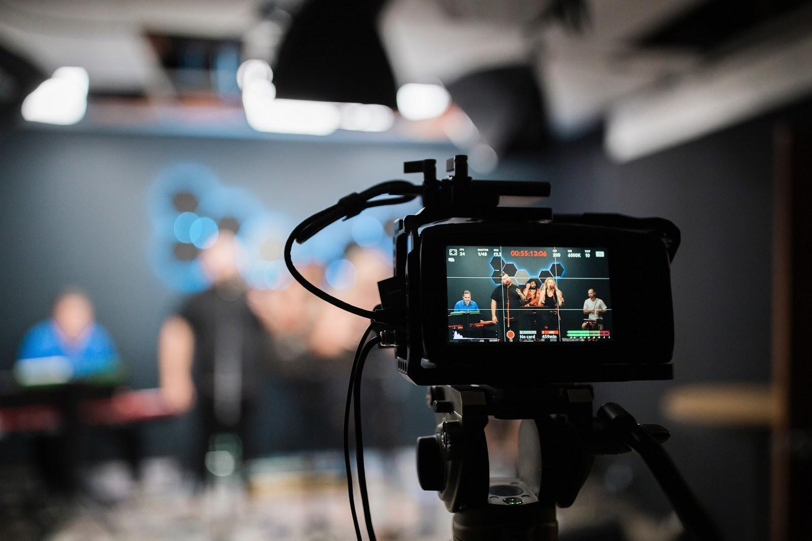 Designs.ai |  Doit savoir pour créer une chaîne YouTube de qualité pour votre entreprise - Étape 3: Publiez régulièrement