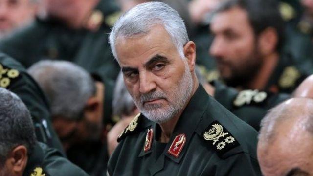 مقتل قاسم سليماني قائد فيلق القدس الإيراني في ضربة أمريكية ببغداد - BBC  News عربي