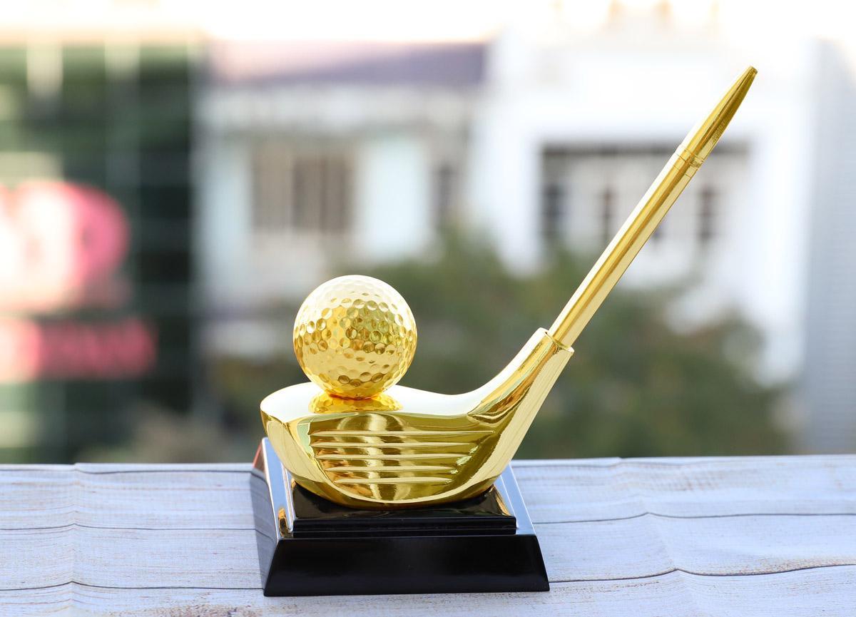 Chiêm ngưỡng những mẫu quà tặng cao cấp cho giải Golf tại Việt Nam - Ảnh 4