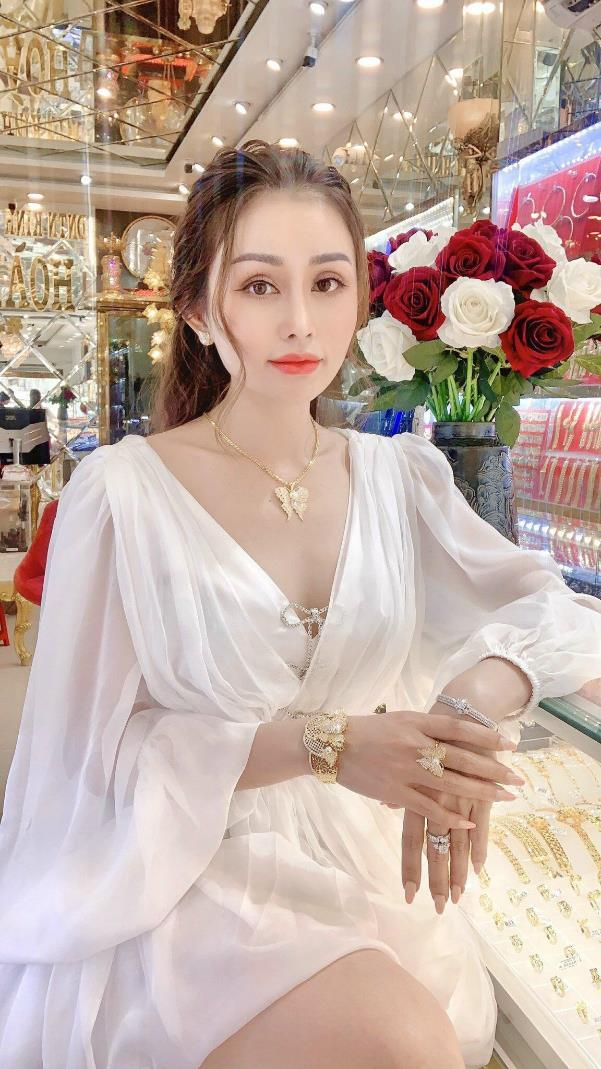 Chị Lê Quỳnh Trang - chủ Tiệm Vàng Hoàng Phát phát tâm từ thiện, tích cực tham gia vào các hoạt động có ích cho cộng đồng - Ảnh 5