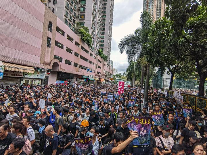 8月5日星期一,香港群众努力创造历史,试图进行总罢工。群众必须继续走下阶级斗争的道路,不然就必定面对失败。 //图片来源:Flickr,Studio Incendo