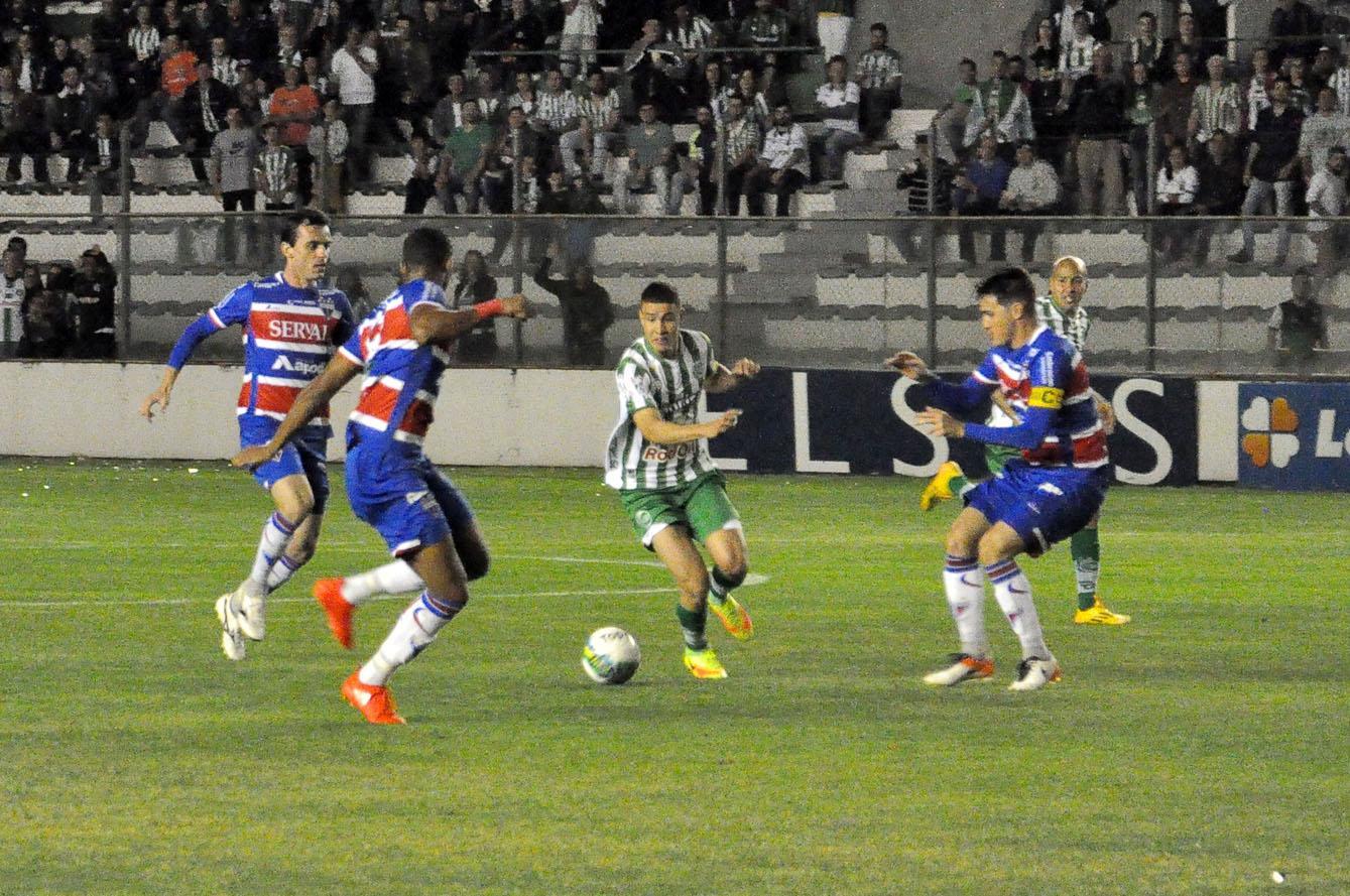 https://www.futebolinterior.com.br/cms/conteudo/img/0002050199848_img.jpg