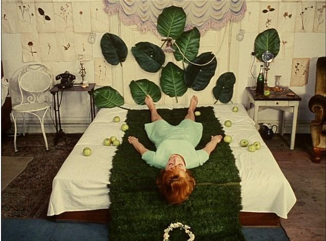 Chambre à coucher dans Daisies