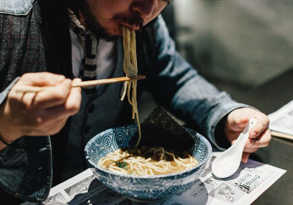 """การส่งเสียงขณะ """"รับประทานอาหาร"""" ของคนญี่ปุ่น"""