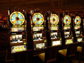 gambling-machine-4926_1280.jpg