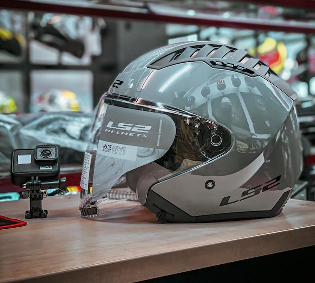 Mũ bảo hiểm 3/4 LS2 OF600 Copter có kính chắn gió chống tia UV
