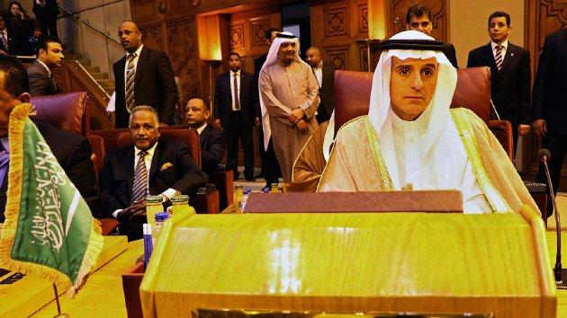 Menteri Luar Negeri Arab Saudi Adel al-Jubeir menghadiri pertemuan darurat Liga Arab di Kairo, Mesir, Minggu (10/1), membahas krisis hubungan Iran dan Arab Saudi. Ketegangan Iran-Arab Saudi menyusul hukuman mati terhadap aktivis Syiah Arab Saudi, Nimr Baqir al Nimr, mengingatkan kita akan sejarah hubungan Sunni-Syiah yang nyaris tak pernah akur.