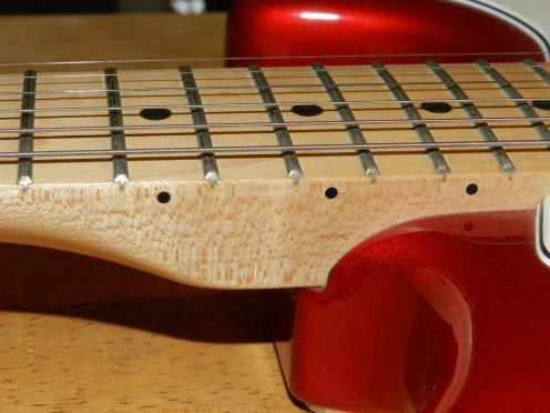 mat-phim-dan-guitar-bang-go-thich-va-go-cam-lai 1