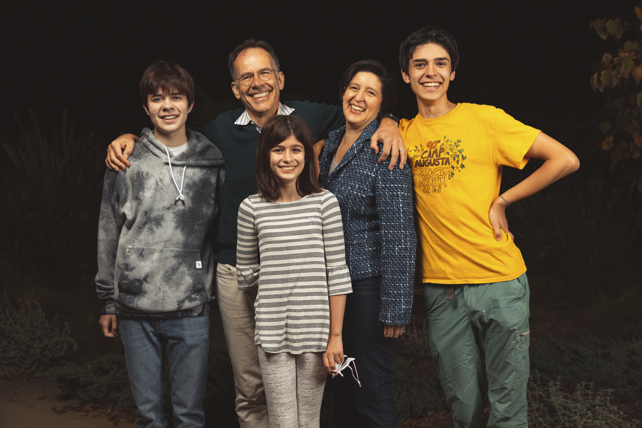 A photo of Imbens with his wife, daughter, and two sons.