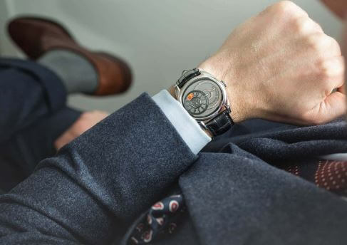 Nhược điểm của đồng hồ dây kim loại