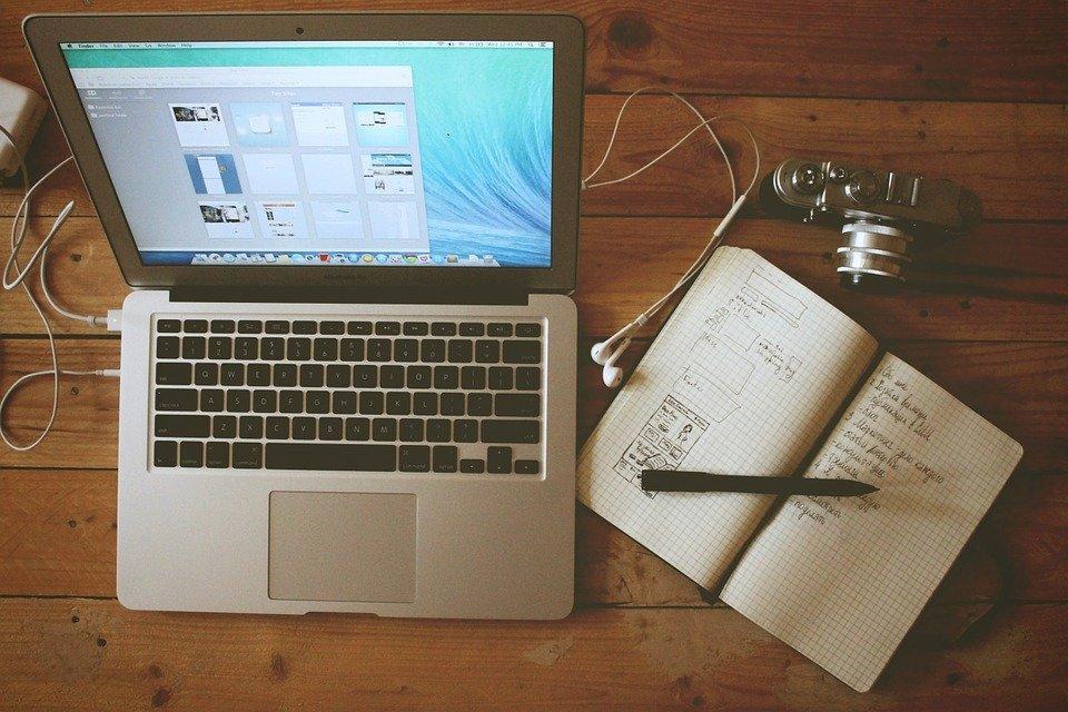 Bureau À Domicile, Poste De Travail, Macbook Air