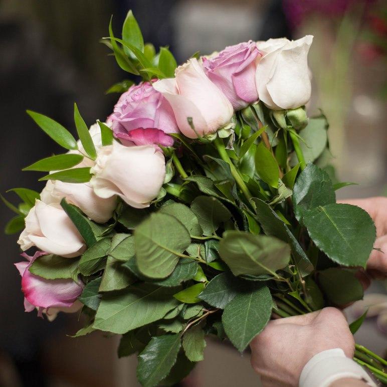 Что нужно сделать чтобы розы долго стояли