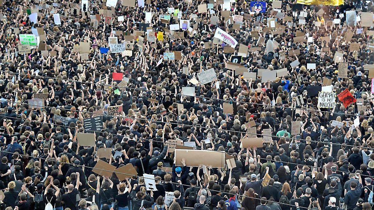 Zehntausende demonstrieren gegen Rassismusber2.cleaned