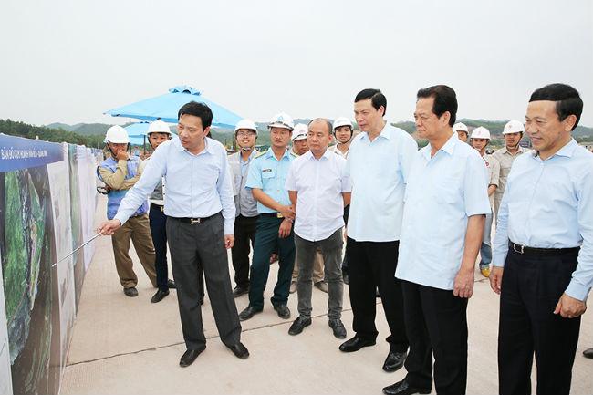 Nguyễn Tấn Dũng thăm các công trình lớn ở Quảng Ninh và Hải Phòng 18 and 19-05-2017.jpg