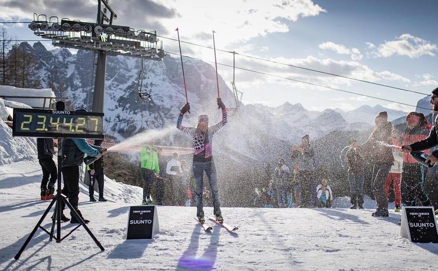 Martina Valmassoi tras las 24h esquiando.