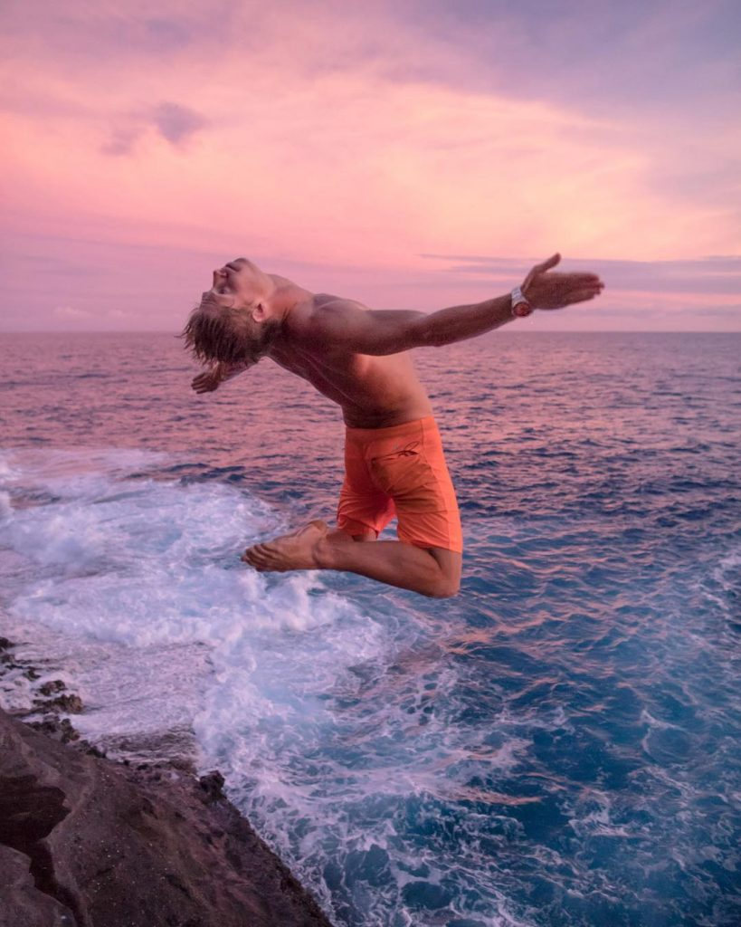 Jump off China Walls - Honolulu: 10 Best Things to do