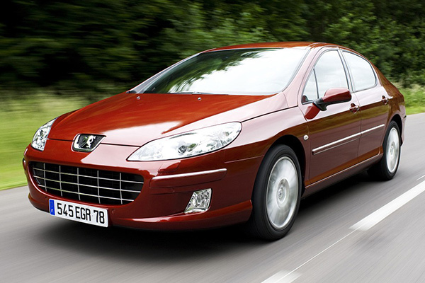 peugeot-407-running-on-high-way
