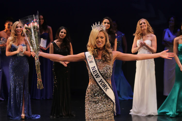 Girls' Pageant Questions And How To Choose Winning Dresses In 2019