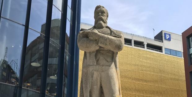 Billedresultat for engels statue in manchester