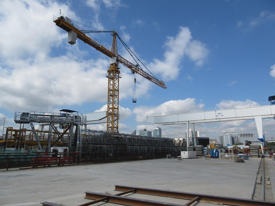 crane-423521_960_720.jpg